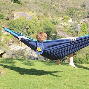 camping in hammock