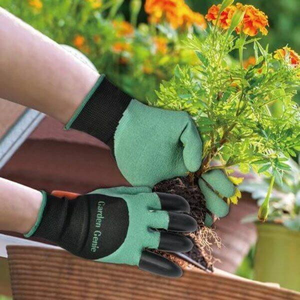 Garden Gloves with Claw